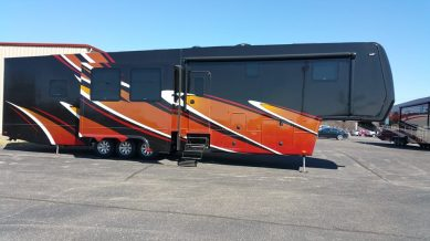 Custom New Horizons RV